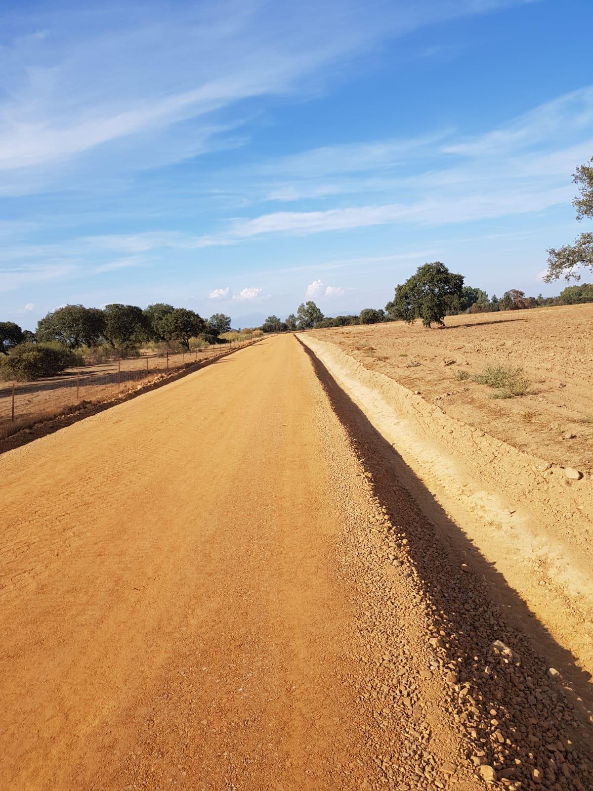 Red caminos y desagües en la zona de concentración parcelaria de Navalvillar de Pela.