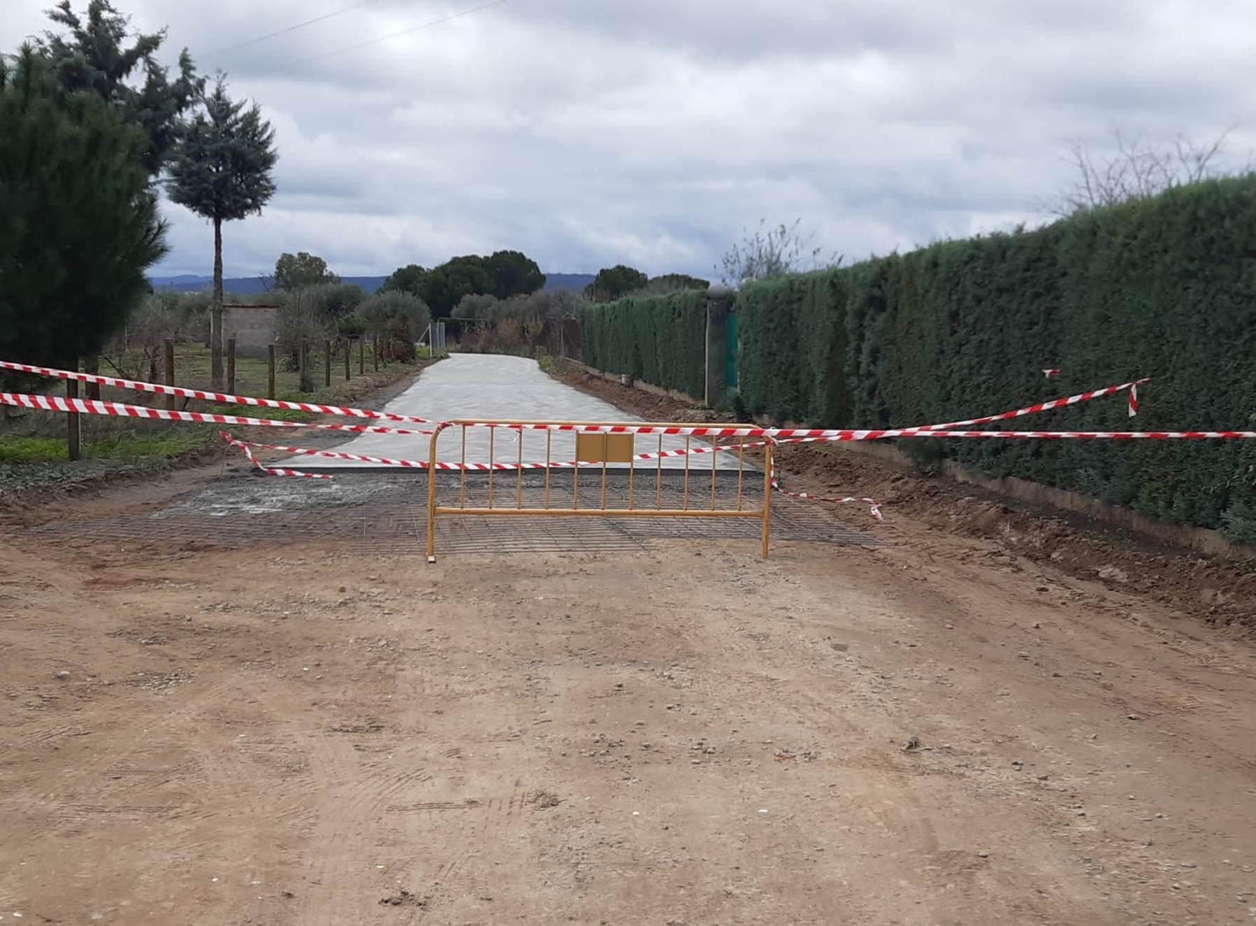 Acondicionamiento de los caminos de las Viñas del Montecillo, en Saucedilla (Cáceres)