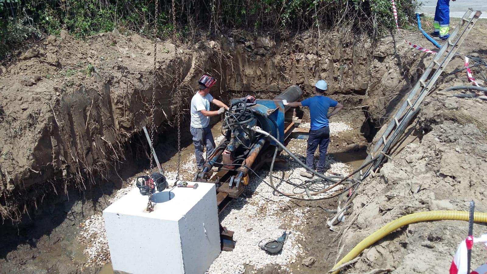 Ejecución de red de saneamiento y grupo de bombeo de aguas residuales en P.I El Jincaro de Almaraz.
