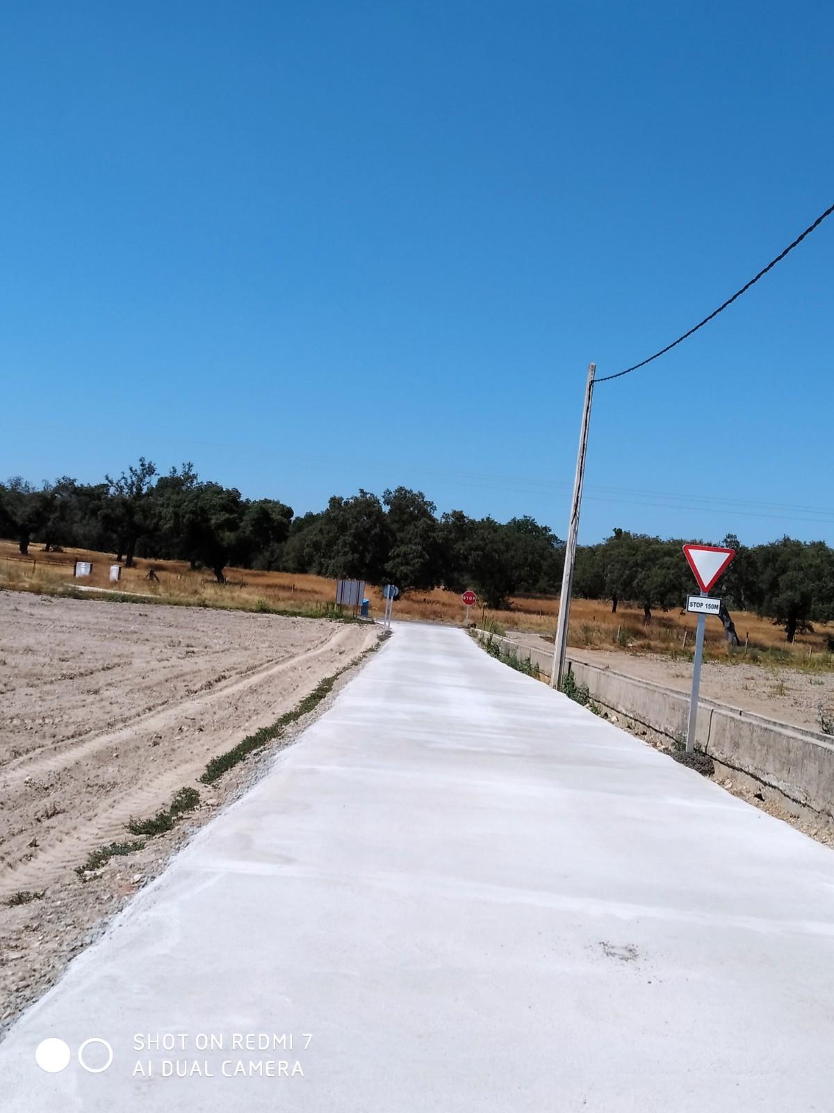 Camino de la Vega en en T.M de Valdeiñigos (Cáceres)
